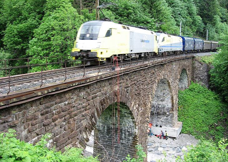 Systemmessung Mauerwerks-Gewölbebrücken